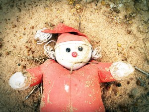 puppe_weihnachten_perfide_geschenke